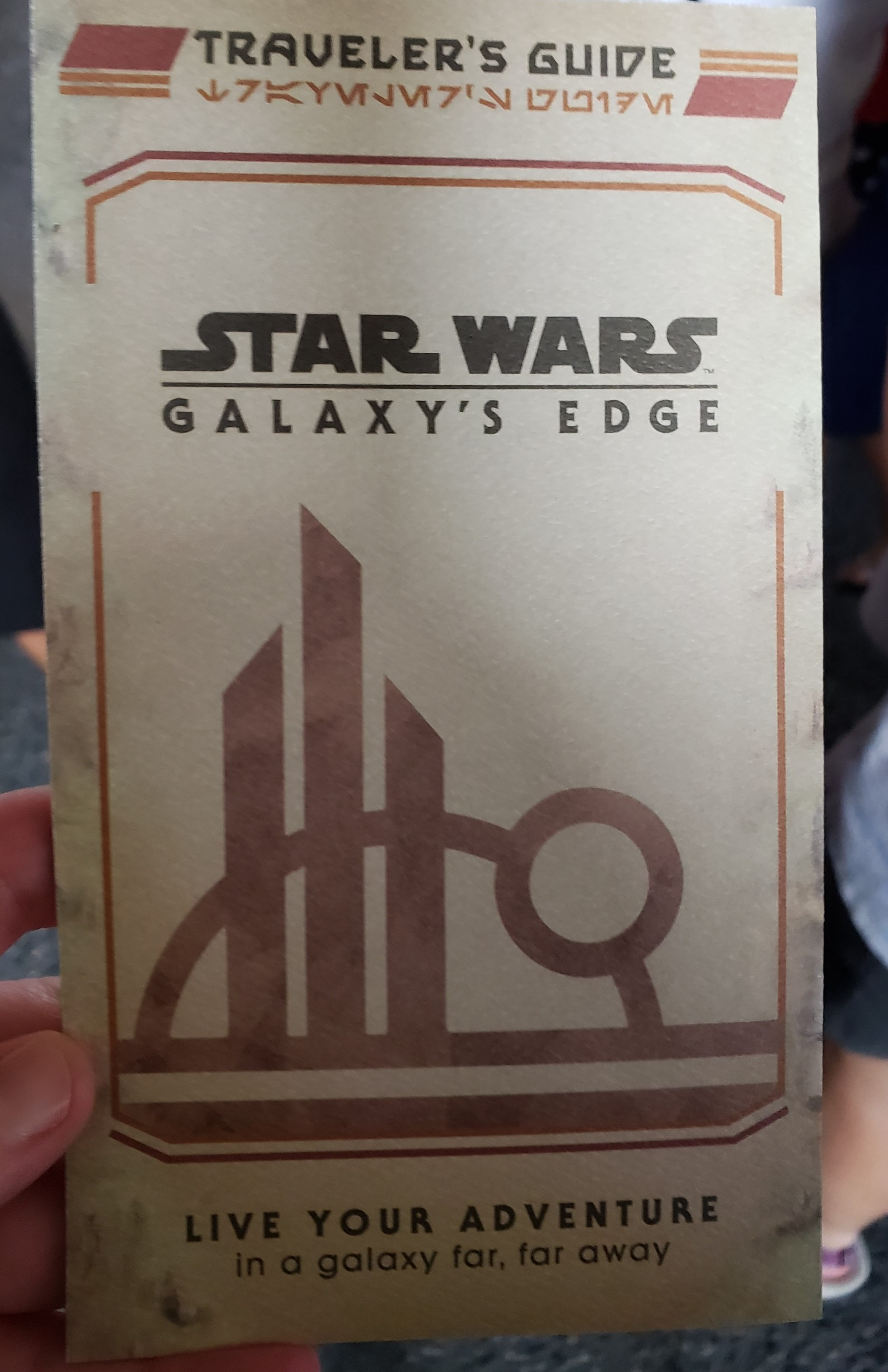 Star Wars: Galaxy's Edge Traveler's Guide